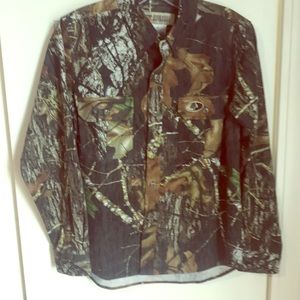 Other - Boys  XL (18-20) MOSSY OAK BREAKUP BUTTONDOWN